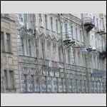 Причем, фасады до сих пор навевают мысли о блокаде. Городская программа обновления фасадов до Выборгской стороны пока не очень-то дошла.